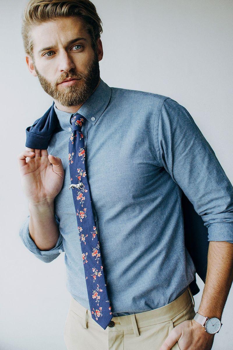 figurás nyakkendőtű