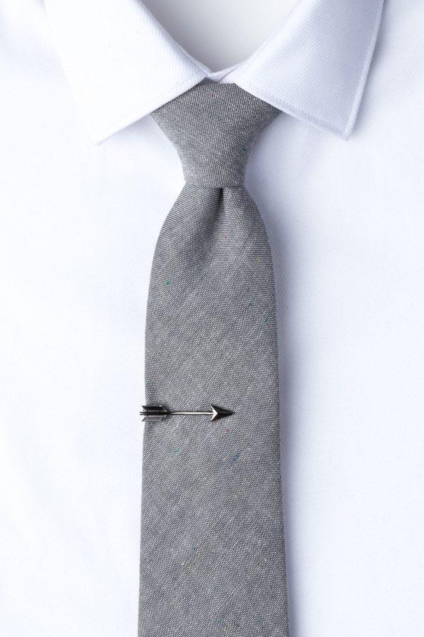 nyakkendőtű_gunmetal_nyílvessző